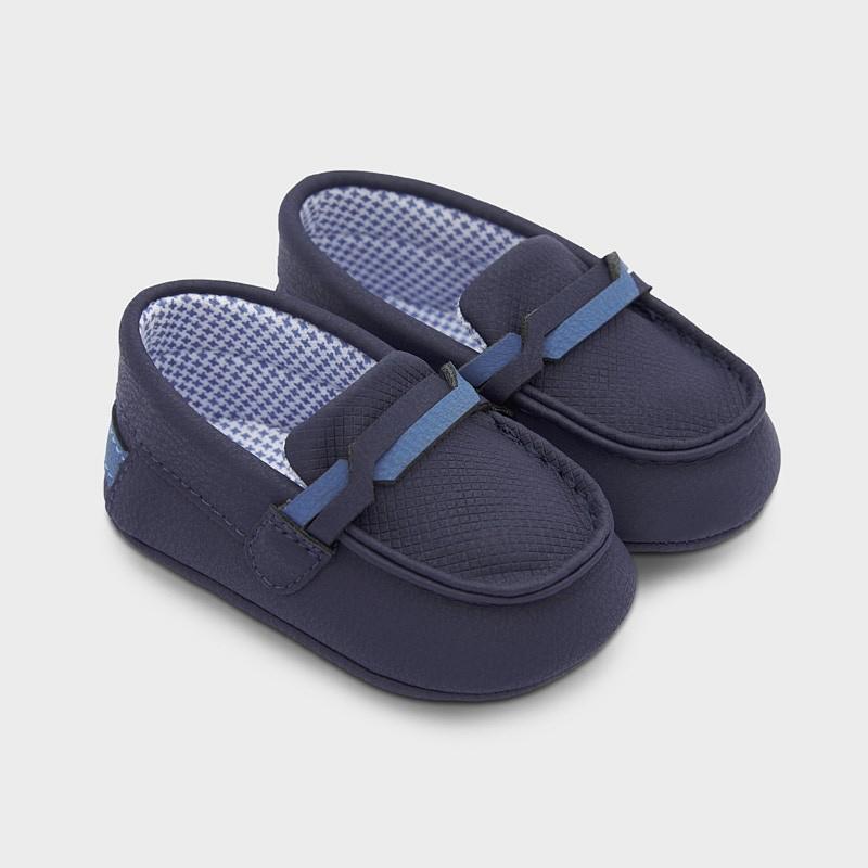 Обувчици за бебе момче Mayoral