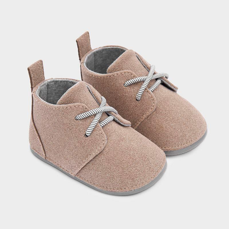 Официални обувки за бебе...
