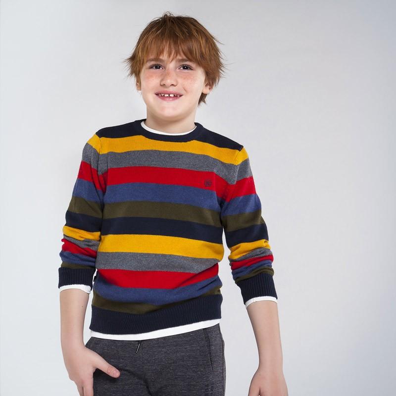 Пуловер на райе за момче...