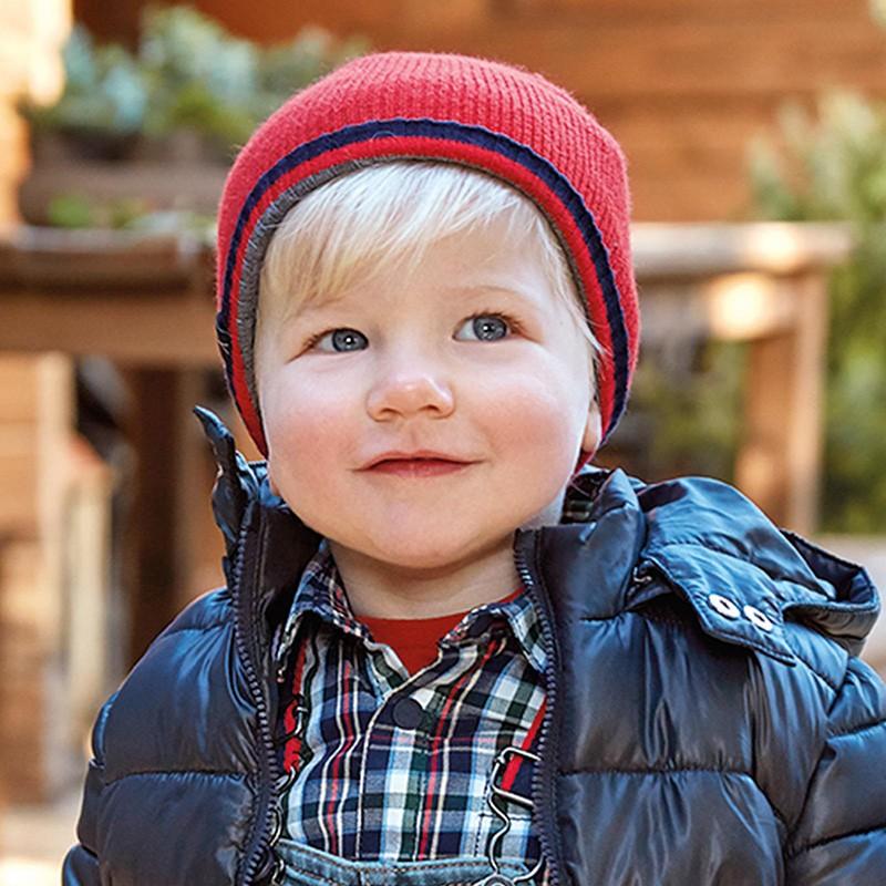 Плетена шапка за бебе момче...