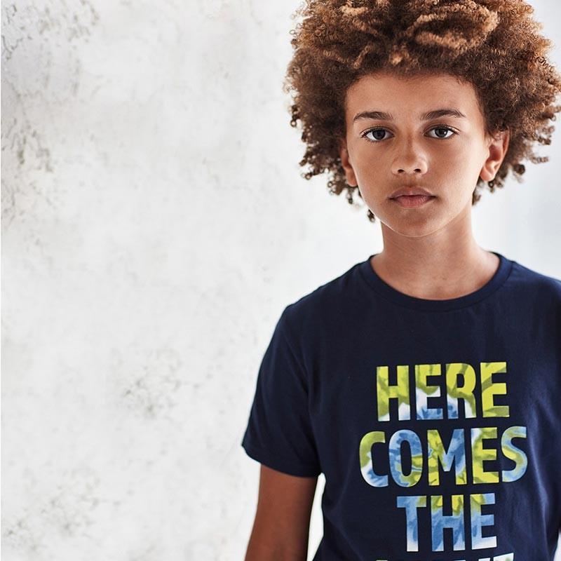 Тениска с надпис за момче...