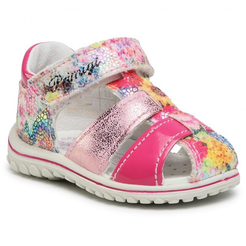 Елегантни затворени сандали за момиче PRIMIGI