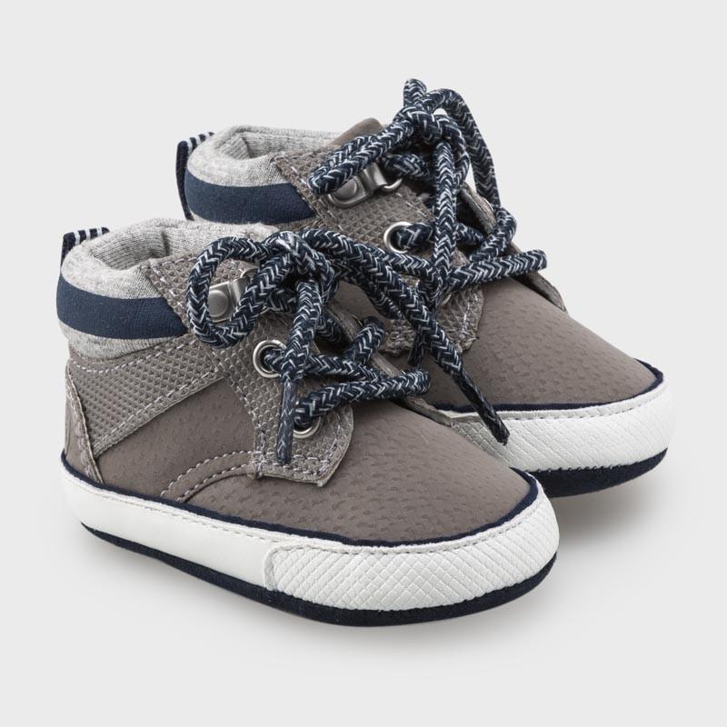 Спортни обувки за бебе момче Mayoral