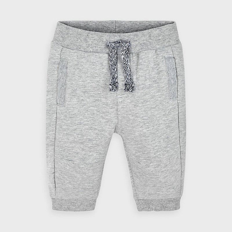 Спортен панталон за бебе...