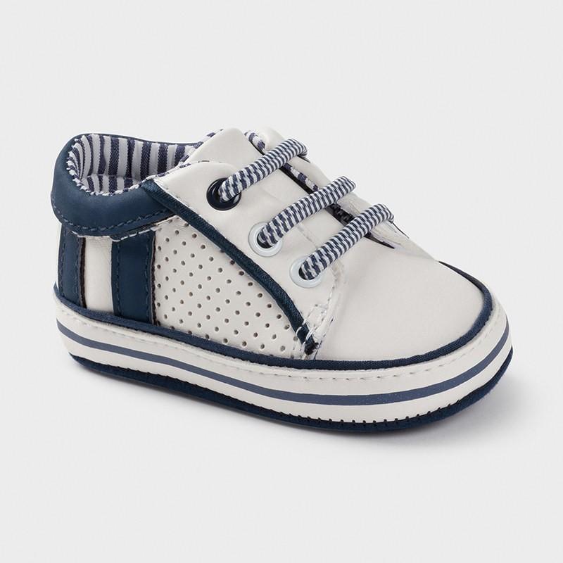 Обувки за бебе момче Mayoral