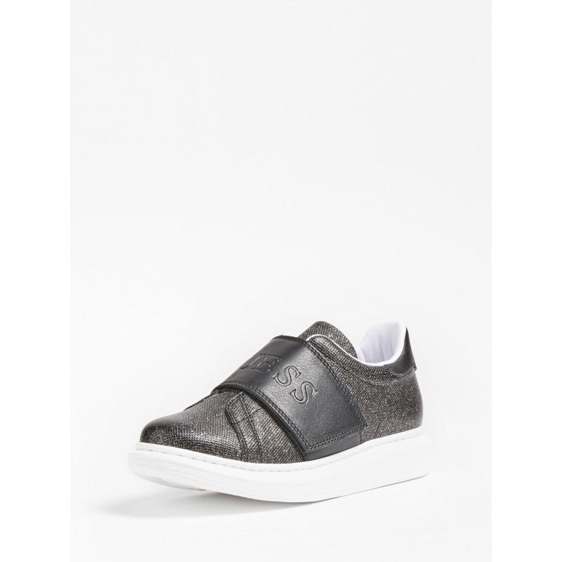 Обувки за момиче GUESS