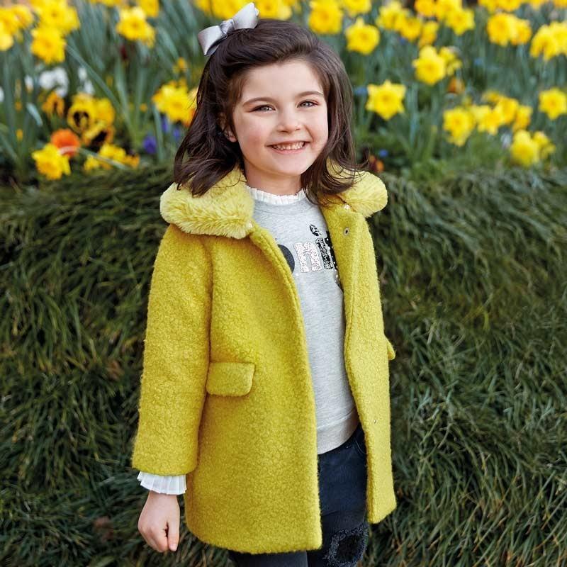 Палто от вълна за момиче...