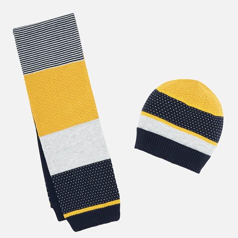 Комплект от шапка и шал...