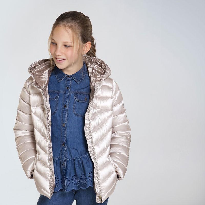 Олекотено яке за момиче...