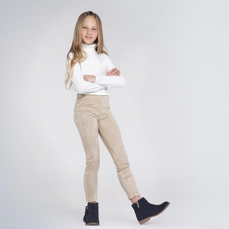 Велурен панталон за момиче...