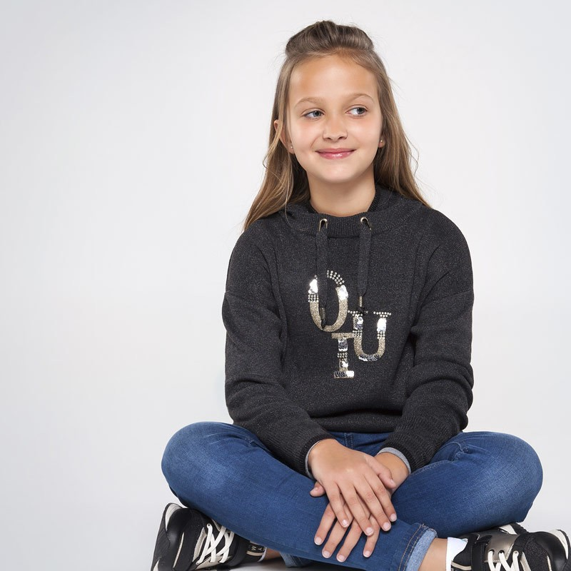 Трикотажен пуловер с качулка за момиче Mayoral