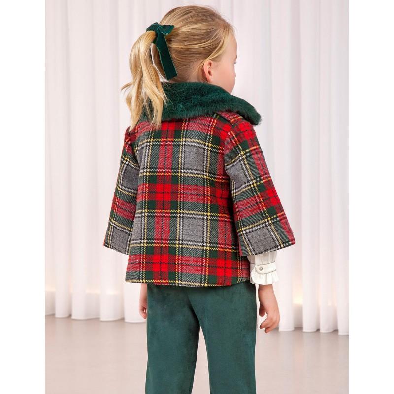 Карирано палто за момиче...