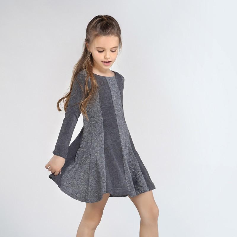 Трикотажна рокля с метални...